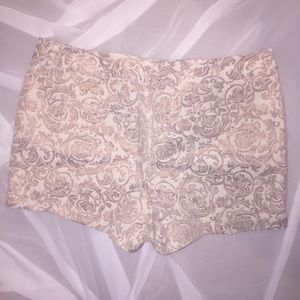 LOFT Embroidered Metallic Shorts Size 14 💕 EUC